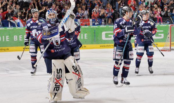 Eishockey - Deutsche Eishockey Liga - DEL - Saison 2013-2014 - 44. Spieltag - EisbŠren Berlin gegen DŸsseldorfer EG - am 02.02.2014 in der O2 World in Berlin